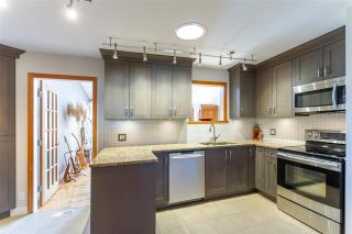 """Photo 4: 5154 47 Avenue in Delta: Ladner Elementary House for sale in """"LADNER ELEMENTARY"""" (Ladner)  : MLS®# R2584826"""