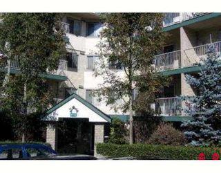 """Photo 1: 412 7694 EVANS Road in Sardis: Sardis West Vedder Rd Condo for sale in """"CREEKSIDE"""" : MLS®# H2902842"""