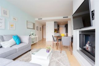 """Photo 8: 2606 1111 ALBERNI Street in Vancouver: West End VW Condo for sale in """"Shangri-La Vancouver"""" (Vancouver West)  : MLS®# R2478466"""