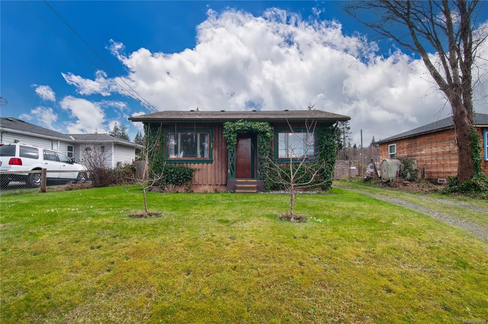 Main Photo: 1971 16th Ave in : CR Campbell River North House for sale (Campbell River)  : MLS®# 869809