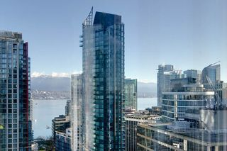 """Photo 7: 2604 1200 W GEORGIA Street in Vancouver: West End VW Condo for sale in """"RESIDENCES ON GEORGIA"""" (Vancouver West)  : MLS®# R2449777"""