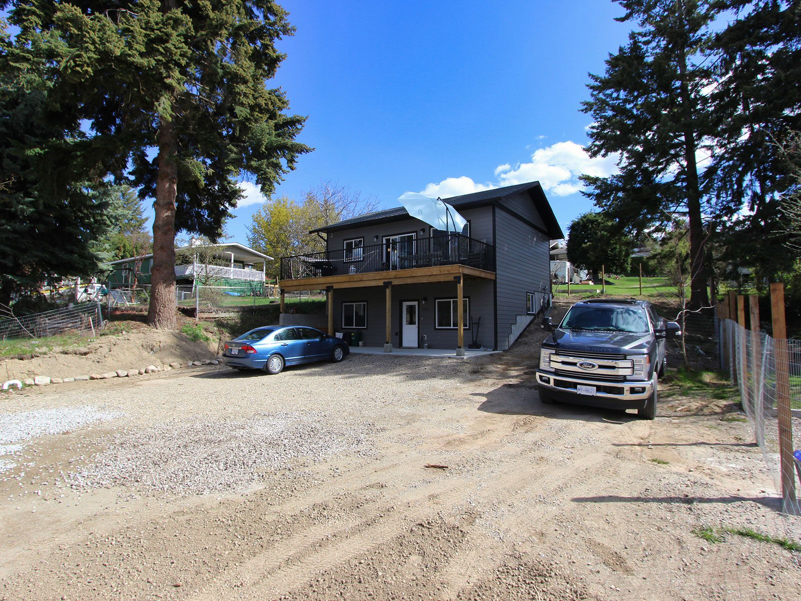 Photo 1: Photos: 1920 SE Okanagan Avenue in Salmon Arm: South East Salmon Arm House for sale : MLS®# 10204567