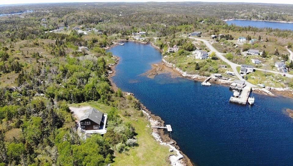 Main Photo: 414 Whistlers Cove Road in East Dover: 40-Timberlea, Prospect, St. Margaret`S Bay Residential for sale (Halifax-Dartmouth)  : MLS®# 202112549