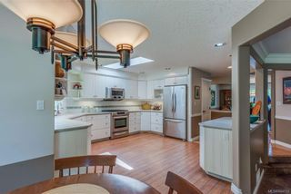 Photo 11: 2477 Prospector Way in Langford: La Florence Lake House for sale : MLS®# 844513