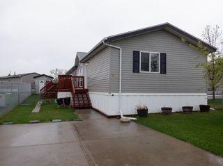 Photo 1: 319 Maple Wood Drive in Edmonton: Zone 42 Mobile for sale : MLS®# E4256058