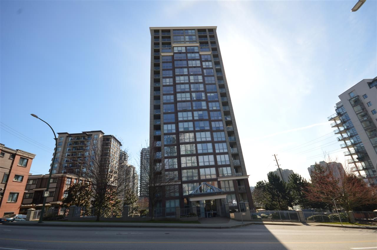 "Main Photo: 1004 850 ROYAL Avenue in New Westminster: Downtown NW Condo for sale in ""THE ROYALTON"" : MLS®# R2248889"