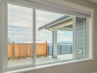 Photo 15: 5662 KINGBIRD Crescent in Sechelt: Sechelt District House for sale (Sunshine Coast)  : MLS®# R2609845