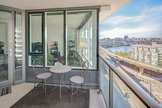 """Photo 17: 1210 68 SMITHE Street in Vancouver: Downtown VW Condo for sale in """"ONE Pacific"""" (Vancouver West)  : MLS®# R2405438"""