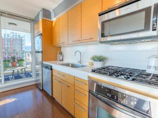 "Photo 10: 701 2770 SOPHIA Street in Vancouver: Mount Pleasant VE Condo for sale in ""STELLA"" (Vancouver East)  : MLS®# R2555466"