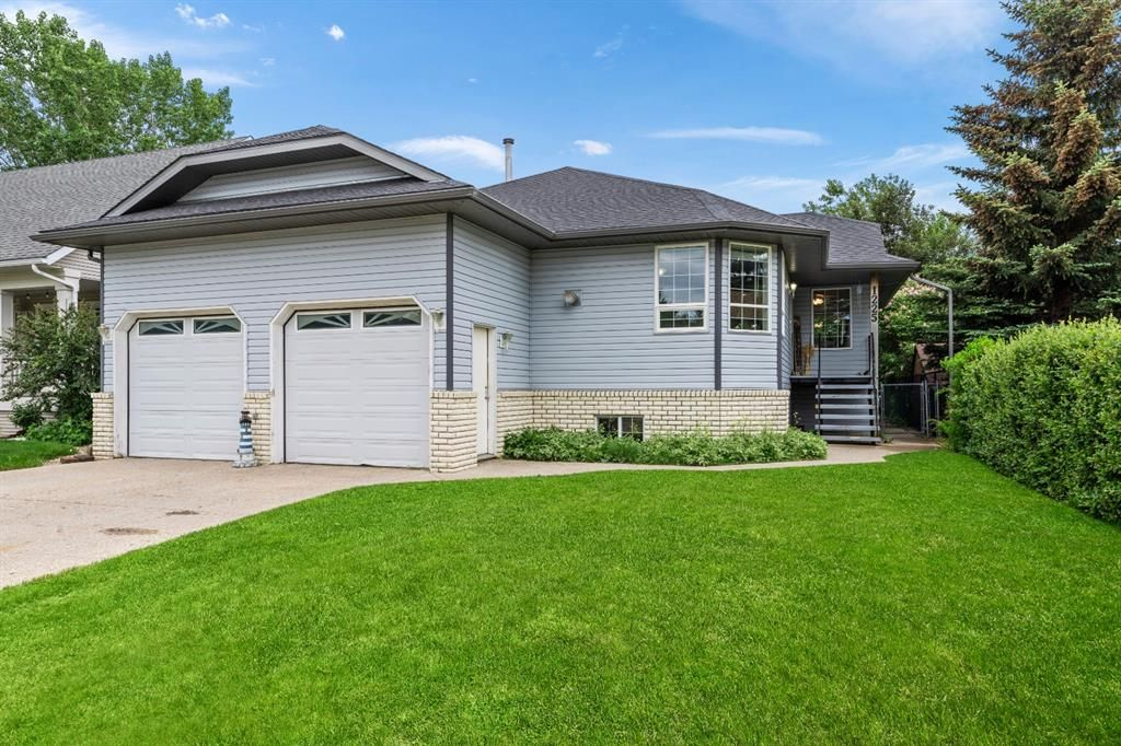 Main Photo: 1225 Smith Avenue: Crossfield Detached for sale : MLS®# A1133111