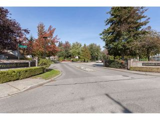 "Photo 20: 6181 W GREENSIDE Drive in Surrey: Cloverdale BC Townhouse for sale in ""GREENSIDE ESTATES"" (Cloverdale)  : MLS®# R2310427"