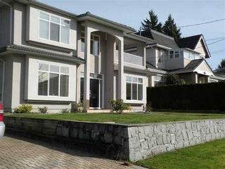 Photo 1: 432 12TH Street E in North Vancouver: Central Lonsdale Home for sale ()  : MLS®# V993895