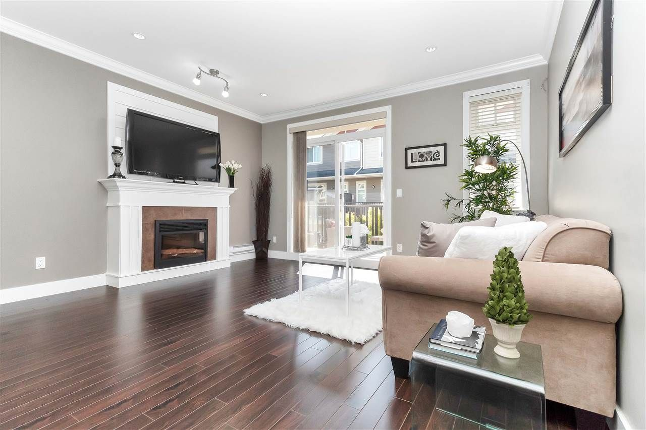 """Main Photo: 75 6383 140 Street in Surrey: Sullivan Station Townhouse for sale in """"PANORAMA WEST VILLAGE"""" : MLS®# R2303628"""
