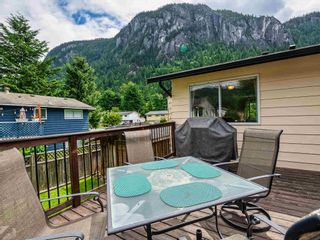 """Photo 12: 38221 GUILFORD Drive in Squamish: Valleycliffe House for sale in """"Valleycliffe"""" : MLS®# R2595387"""