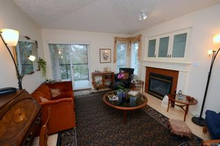 Photo 5: 31 300 Six Mile Rd in : VR Six Mile Row/Townhouse for sale (View Royal)  : MLS®# 719798