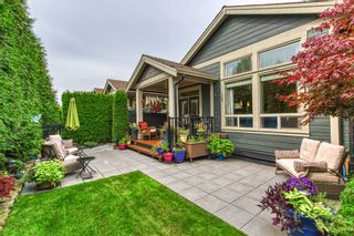 """Photo 2: 13 350 174 Street in Surrey: Pacific Douglas Townhouse for sale in """"The Greens"""" (South Surrey White Rock)  : MLS®# R2433866"""