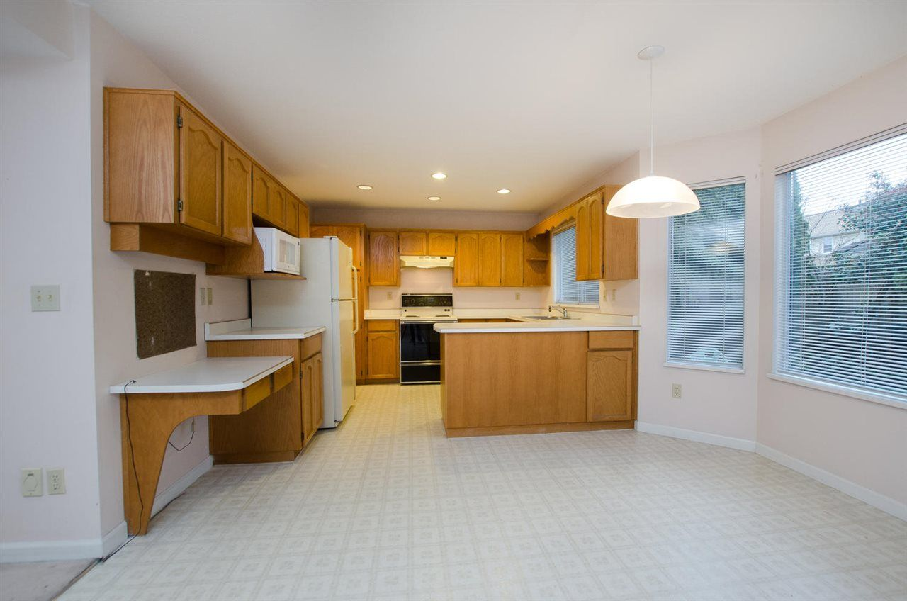 """Photo 4: Photos: 6378 45B Avenue in Delta: Holly House for sale in """"HOLLY"""" (Ladner)  : MLS®# R2338172"""