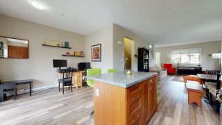 """Photo 6: 1282 STONEMOUNT Place in Squamish: Downtown SQ Townhouse for sale in """"Streams at Eaglewind"""" : MLS®# R2481347"""