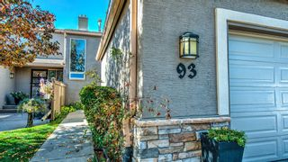 Photo 2: 93 1815 Varsity Estates Drive NW: Calgary Row/Townhouse for sale : MLS®# A1039353
