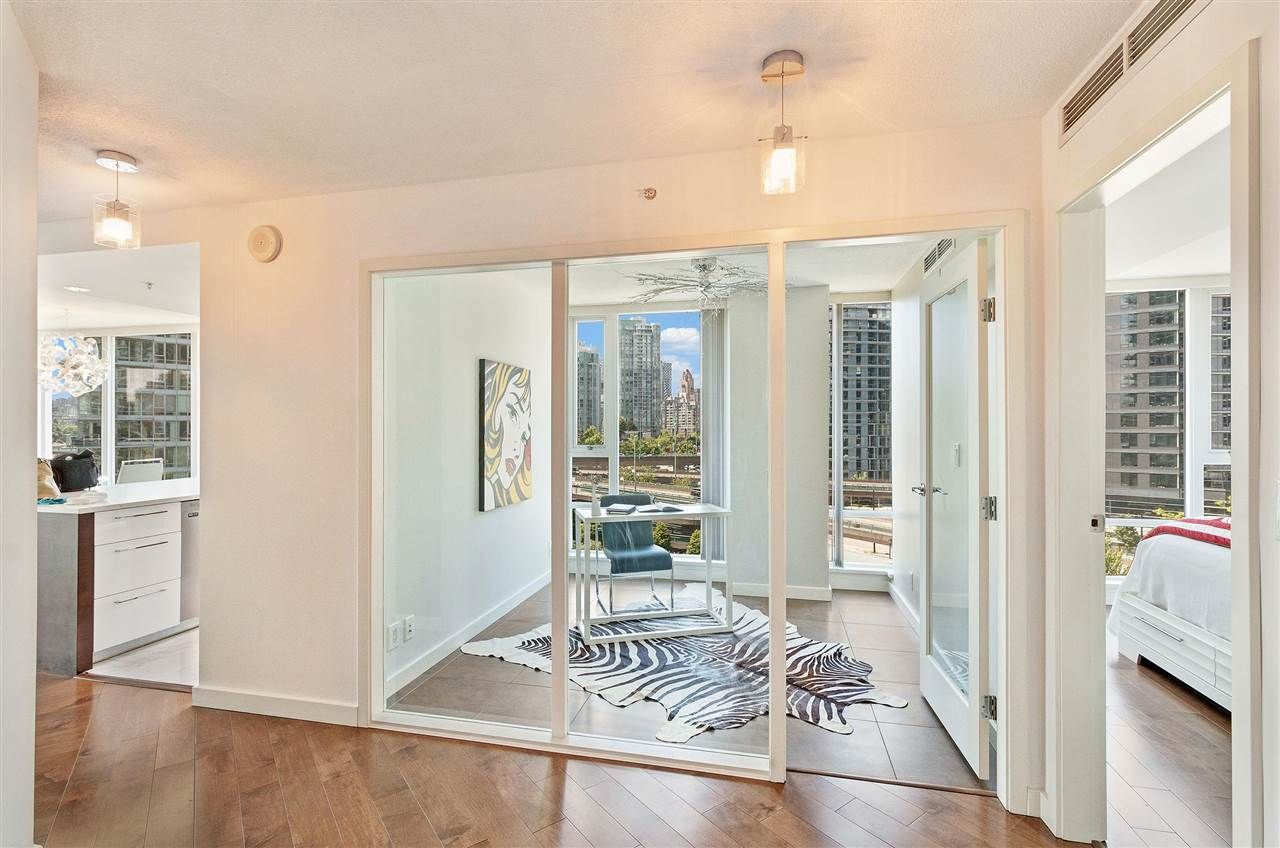 Photo 16: Photos: 806 918 COOPERAGE WAY in Vancouver: Yaletown Condo for sale (Vancouver West)  : MLS®# R2589015