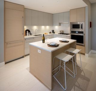 Photo 6: 2501 3438 SAWMILL CRESCENT in Vancouver: South Marine Condo for sale (Vancouver East)  : MLS®# R2605799