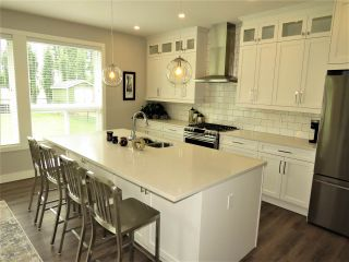 """Photo 7: 52764 STONEWOOD Place in Rosedale: Rosedale Popkum House for sale in """"Stonewood"""" : MLS®# R2383488"""