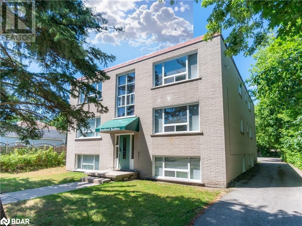 Main Photo: 74 SANFORD Street Unit# 6 in Barrie: Condo for lease : MLS®# 40155545