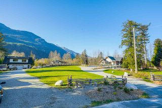 Photo 4: 41605 - 41611 GRANT Road in Squamish: Brackendale House for sale : MLS®# R2520368