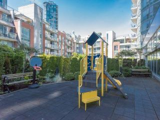 """Photo 16: 1501 58 KEEFER Place in Vancouver: Downtown VW Condo for sale in """"FIRENZE"""" (Vancouver West)  : MLS®# R2075191"""
