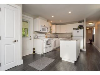 """Photo 9: 101 1840 160 Street in Surrey: King George Corridor Manufactured Home for sale in """"Breakaway Bays"""" (South Surrey White Rock)  : MLS®# R2215928"""