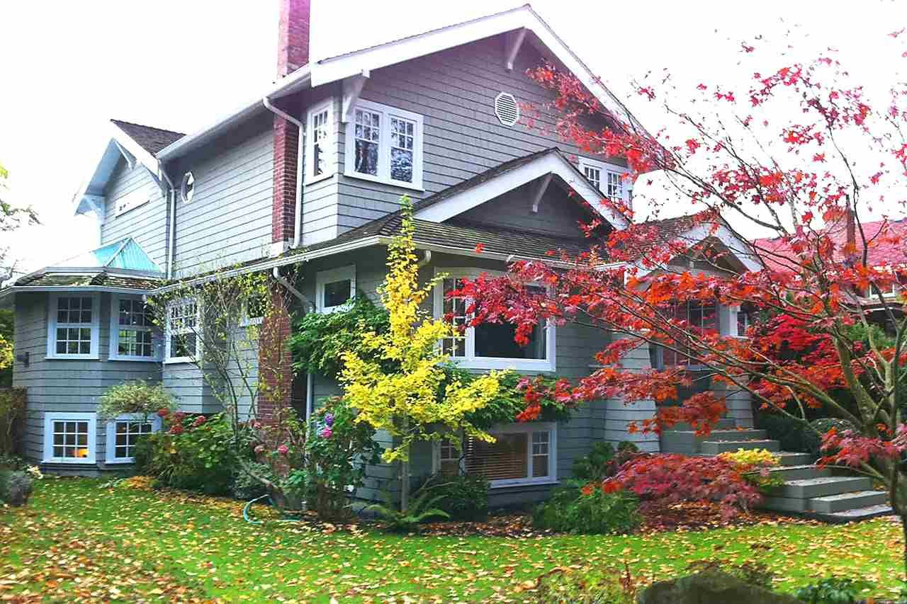 Photo 2: Photos: 4363 W 14TH Avenue in Vancouver: Point Grey House for sale (Vancouver West)  : MLS®# R2135584