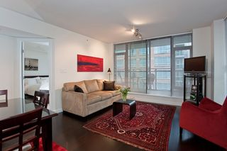 """Photo 9: 1007 788 RICHARDS Street in Vancouver: Downtown VW Condo for sale in """"L'HERMITAGE"""" (Vancouver West)  : MLS®# V815597"""