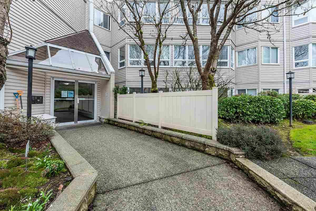 """Photo 15: Photos: 307 1155 ROSS Road in North Vancouver: Lynn Valley Condo for sale in """"THE WAVERLEY"""" : MLS®# R2533563"""