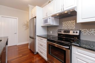Photo 16: 302 9776 Fourth St in Sidney: Si Sidney South-East Condo for sale : MLS®# 878510
