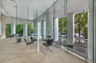 """Photo 21: 1301 1288 ALBERNI Street in Vancouver: West End VW Condo for sale in """"Palisades"""" (Vancouver West)  : MLS®# R2614069"""