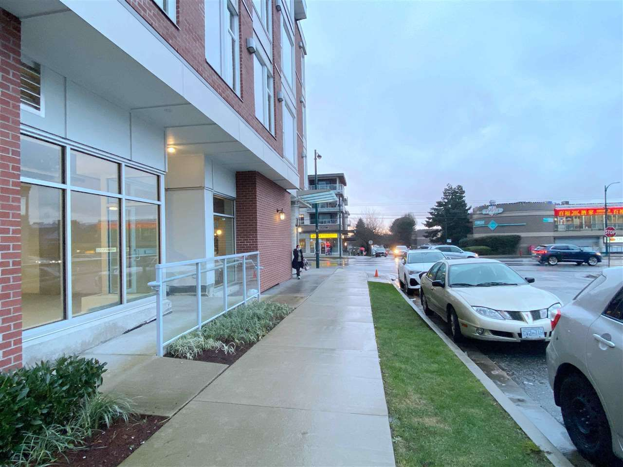 Main Photo: 2906 E 2ND Avenue in Vancouver: Renfrew VE Office for sale (Vancouver East)  : MLS®# C8036654