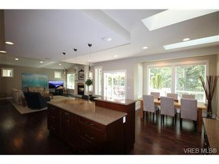 Photo 4: 2188 Harrow Gate in VICTORIA: La Bear Mountain House for sale (Langford)  : MLS®# 696440