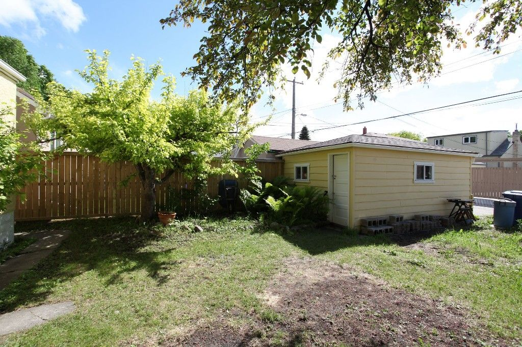 Photo 22: Photos: 1088 Sherburn Street in Winnipeg: West End Single Family Detached for sale (West Winnipeg)  : MLS®# 1414577