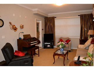 """Photo 6: 202 2511 KING GEORGE Boulevard in Surrey: King George Corridor Condo for sale in """"The Pacifica"""" (South Surrey White Rock)  : MLS®# F1410930"""