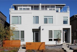 Photo 1: 2128 27 Avenue SW in Calgary: Richmond House for sale