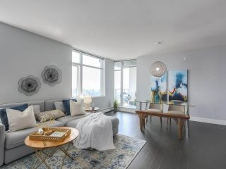 """Photo 3: 1606 1320 CHESTERFIELD Avenue in North Vancouver: Central Lonsdale Condo for sale in """"Vista Place"""" : MLS®# R2355353"""