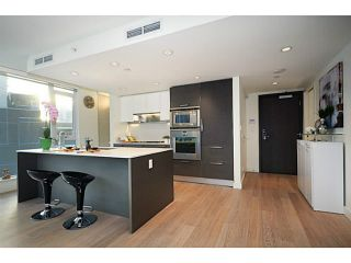 """Photo 1: 1103 1499 W PENDER Street in Vancouver: Coal Harbour Condo for sale in """"WEST PENDER PLACE"""" (Vancouver West)  : MLS®# V1054615"""