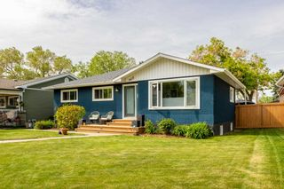 Photo 2: 9628 52 Street in Edmonton: Zone 18 House for sale : MLS®# E4247639