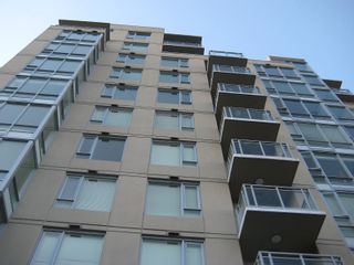 """Photo 4: 803 2483 SPRUCE Street in Vancouver: Fairview VW Condo for sale in """"SKYLINE ON BROADWAY"""" (Vancouver West)  : MLS®# V797426"""