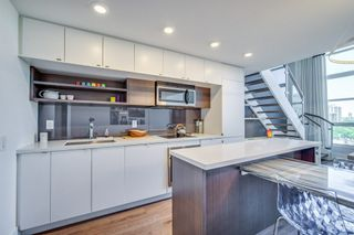 Photo 5: 932 111 W St Clair Avenue in Toronto: Condo for lease : MLS®# C4174251