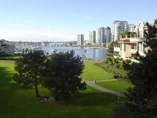 Photo 1: #305  1869 Spyglass Place in VANCOUVER: Condo for sale (False Creek)  : MLS®# V577876