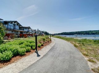 "Photo 17: 5976 BEACHGATE Lane in Sechelt: Sechelt District Townhouse for sale in ""Edgewater"" (Sunshine Coast)  : MLS®# R2333823"