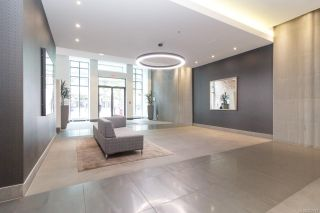 Photo 3: 1011 728 Yates St in : Vi Downtown Condo for sale (Victoria)  : MLS®# 857913