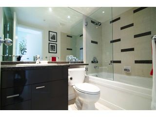 """Photo 8: 2202 1408 STRATHMORE MEWS ME in Vancouver: Yaletown Condo for sale in """"WEST ONE"""" (Vancouver West)  : MLS®# V969471"""