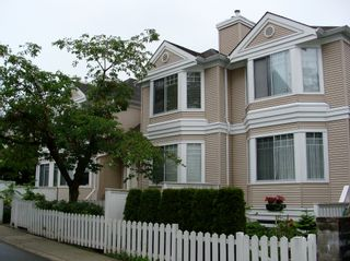 """Photo 1: 40 7501 CUMBERLAND Street in Burnaby: The Crest Townhouse for sale in """"DEERFIELD"""" (Burnaby East)  : MLS®# V894711"""